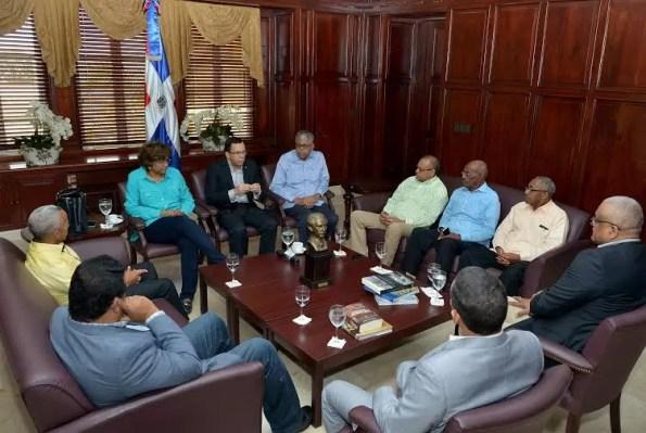 Navarro con los Consules