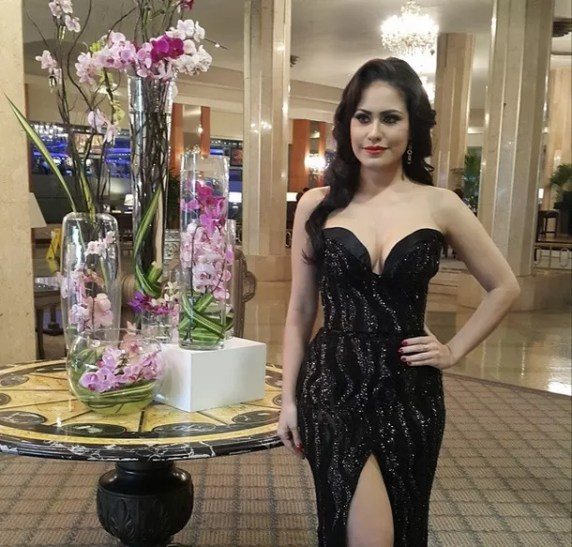 Jenny Blanco bella