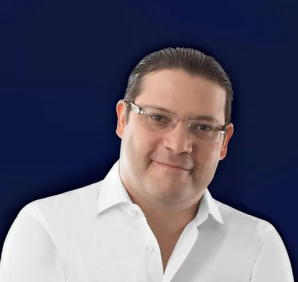 Eduardo Sanz Lovatón sale en defensa de Lisandro Macarrulla