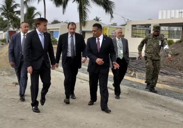Embajador de Estados Unidos y Director de Migracion