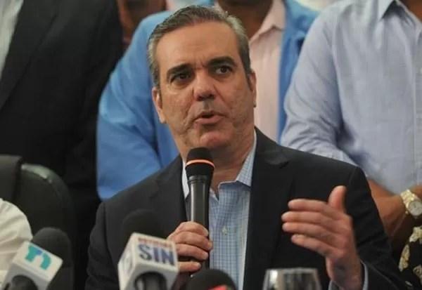 Abinader dice  el pueblo escogerá entre el despilfarro y el cambio