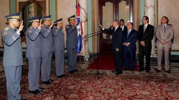 Danilo con militares
