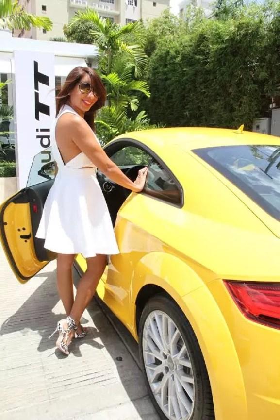 Audi amarillo