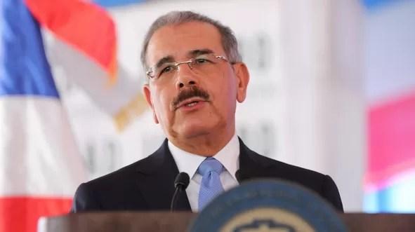 Danilo Medina felicita a Juan Luis Guerra