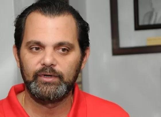 """José Miguel Bonetti: """"Grama sintética va en el Quisqueya"""""""
