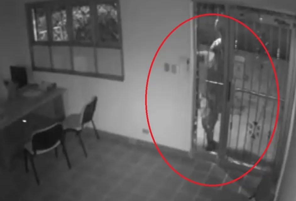 Video del robo a oficina del manejador de Anthony Ríos
