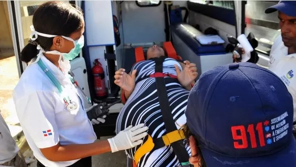 Mujer dio a luz dentro de ambulancia del  911