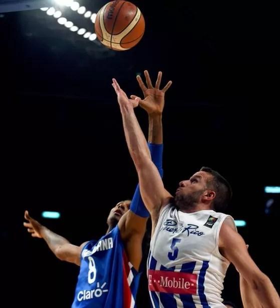 Puerto Rico gana 98-92 a RD en choque caribeño del preolímpico de básquet