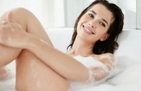 mujer ducha