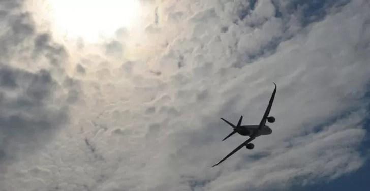 Cinco pasajeros borrachos obligan a desviar un vuelo