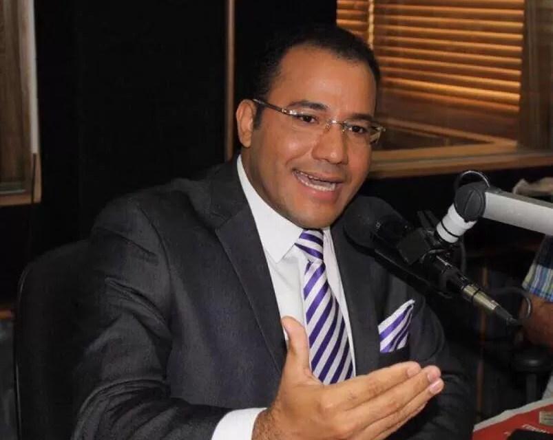 Salvador Holguín denuncia que el jefe de la PN tiene un plan para matarlo