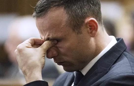 Oscar Pistorius seguirá en prisión mientras espera decisión de libertad anticipada