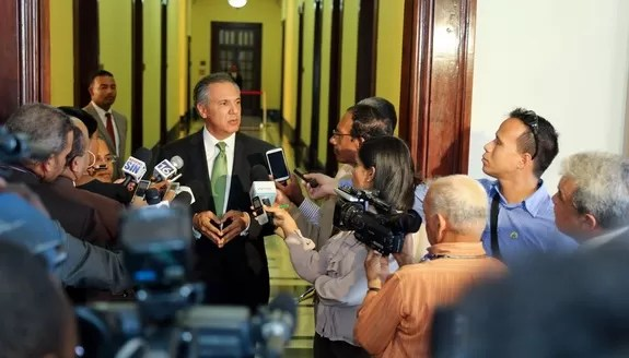 José Ramón Peralta: La oposición hace campaña de mentiras, inventos y falsedades