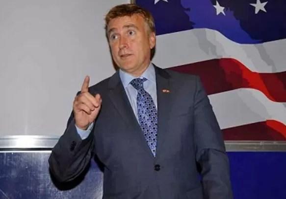 El Embajador EEUU en RD truena contra la corrupción