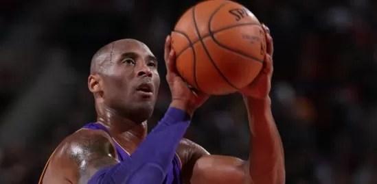 Kobe Bryant anuncia su retiro al final de la actual temporada de la NBA