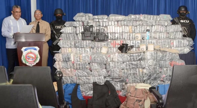 Apresan venezolano con 621 paquetes de droga en Barahona