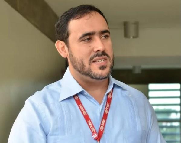 Oliver Cruz