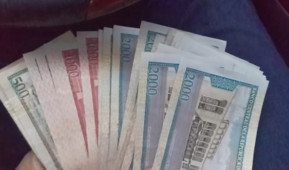 Dinero papeletas
