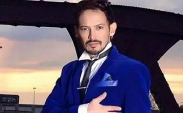 Alejandro Fuetnes La Voz
