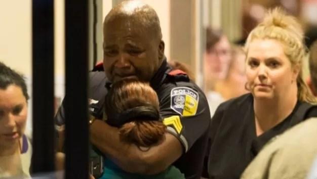 Francotiradores matan a cinco policías en Dallas en manifestación antirracista