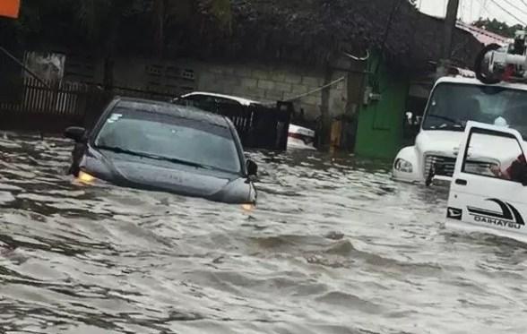 Las lluvias causaron inundaciones urbanas en Santiago, Salcedo y Moca, donde un niño murió ahogado (Ricardo Flete)