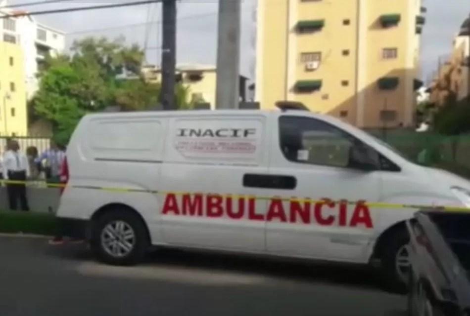 Santiago: Matan mujer para robarle un celular