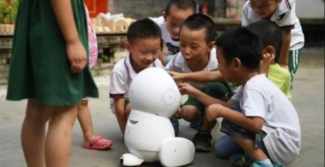 Entérate por qué China prohibió los exámenes escritos para niños de seis y siete años