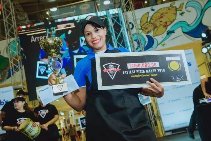 La pizzera más rápida de República Dominicana