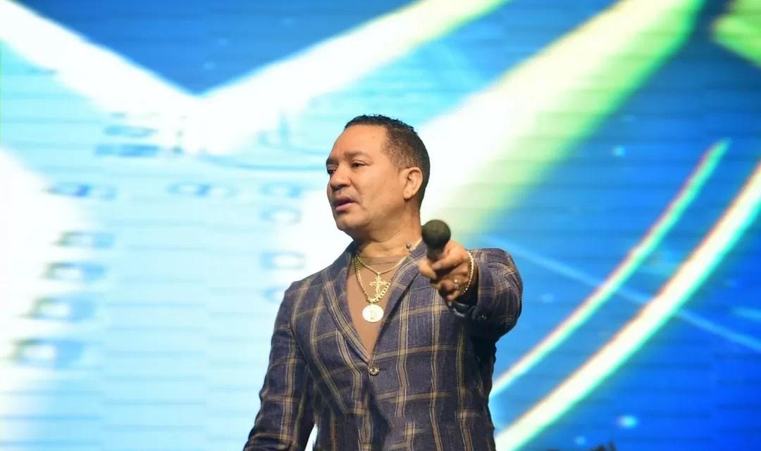 Frank Reyes anuncia concierto virtual