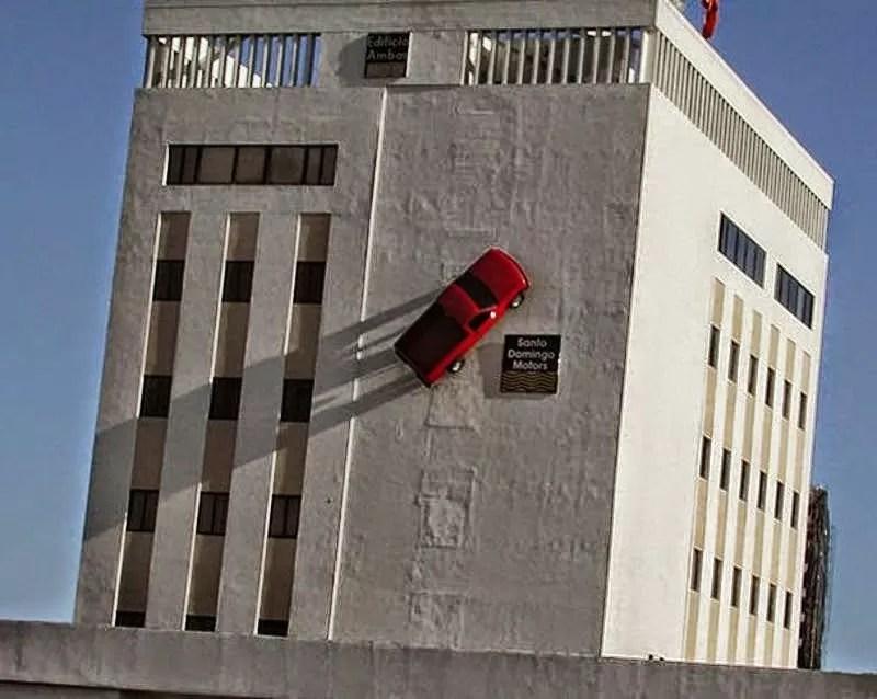 La historia de la camioneta roja de  Santo Domingo Motors