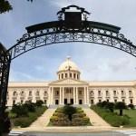 Abinader prohíbe uso de franqueadores a funcionarios; anuncia otras medidas de austeridad