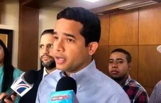 """Hijo de Leonel le dice unas """"cositas"""" a la cúpula del PLD"""