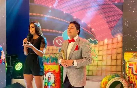 """Con """"lágrimas y pullas"""" el Pachá debuta en Teleradio América"""