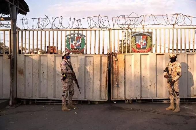 "República Dominicana ordena ""cierre inmediato"" de frontera con Haití tras asesinato de Moise"