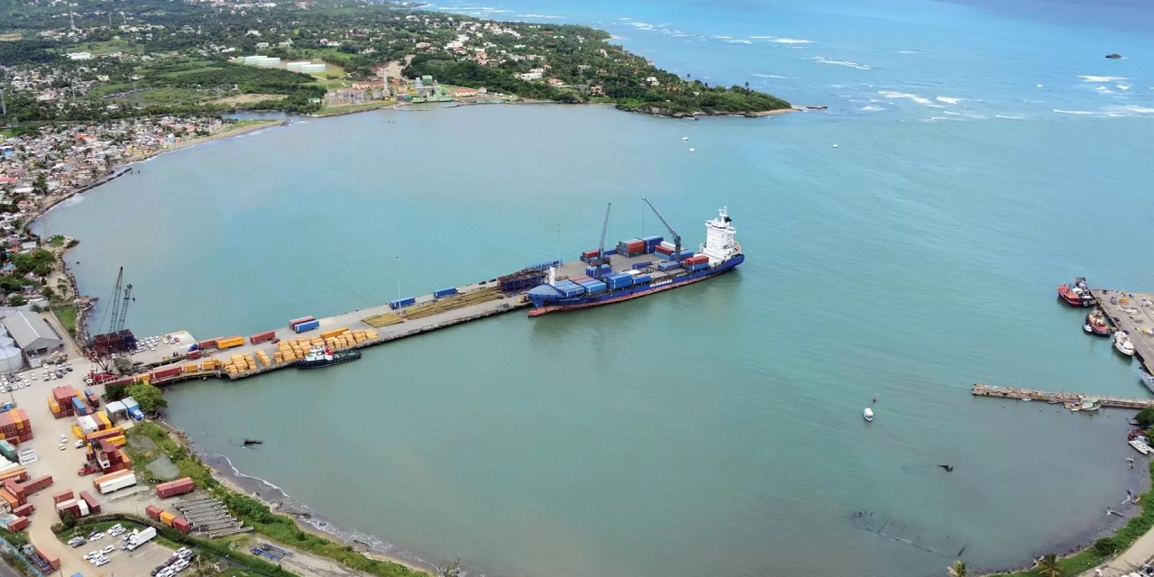 Otro escándalo que le explota al gobierno, un fraude millonario en Autoridad Portuaria