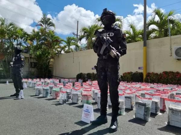 Ocupan 854 paquetes de droga en costas de Barahona y puerto Caucedo