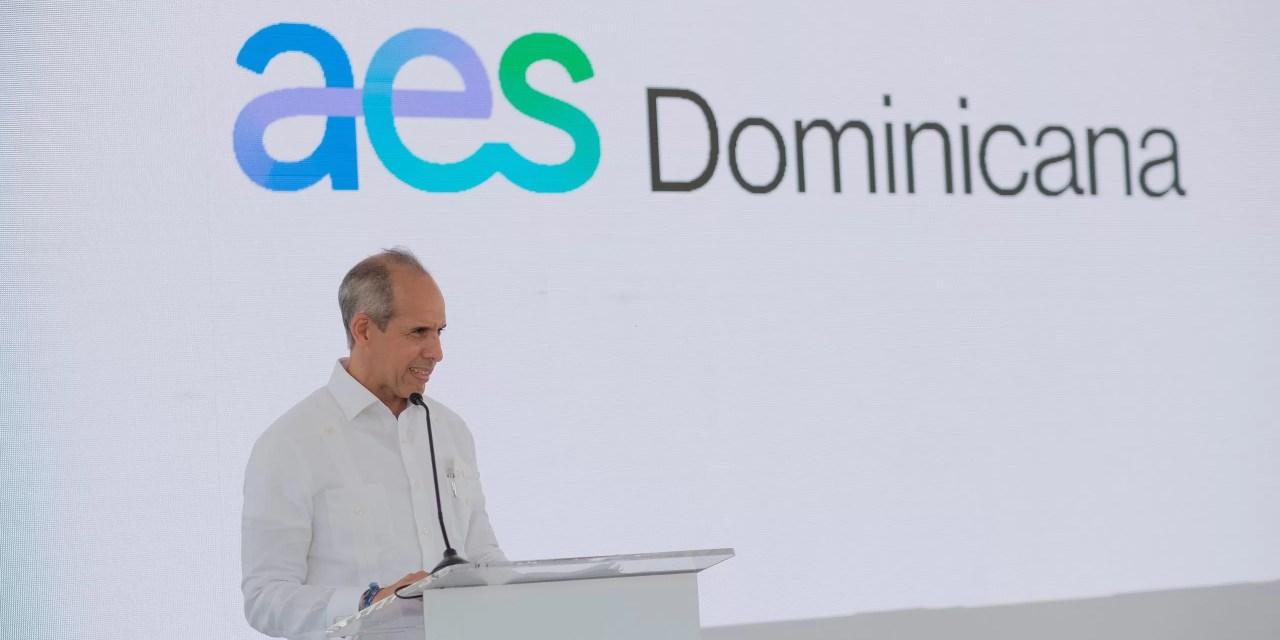 AES inaugura su primera operación 100% renovable en la RD