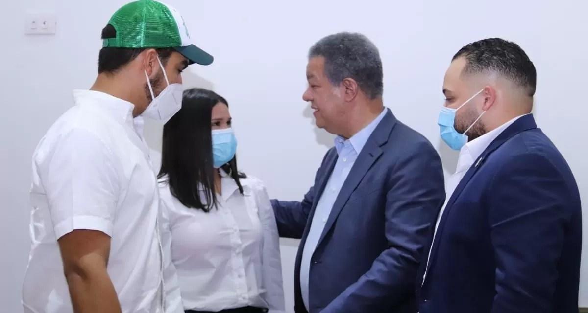 Hijo del fenecido dirigente Monchy Rodríguez se juramenta en FP