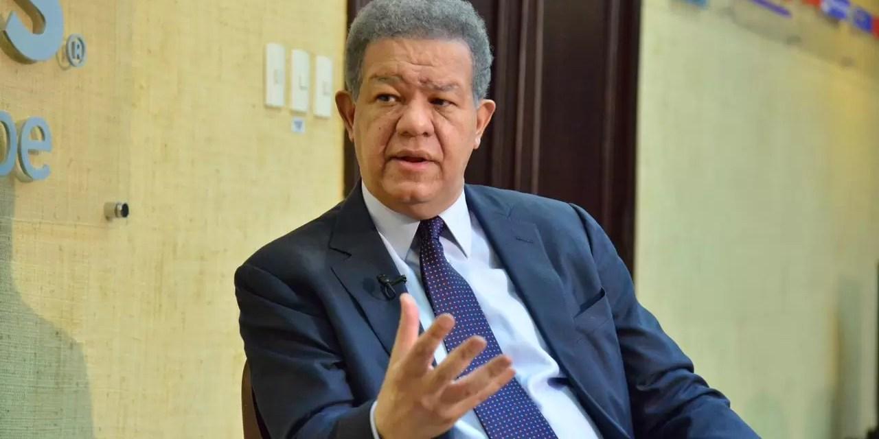 Leonel Fernández afirma que no se puede presionar con más impuestos a clase media y baja