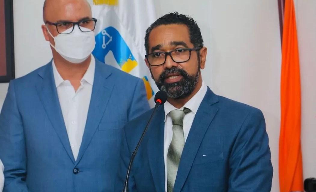 Juan Salas toma posesión como nuevo director la Defensa Civil