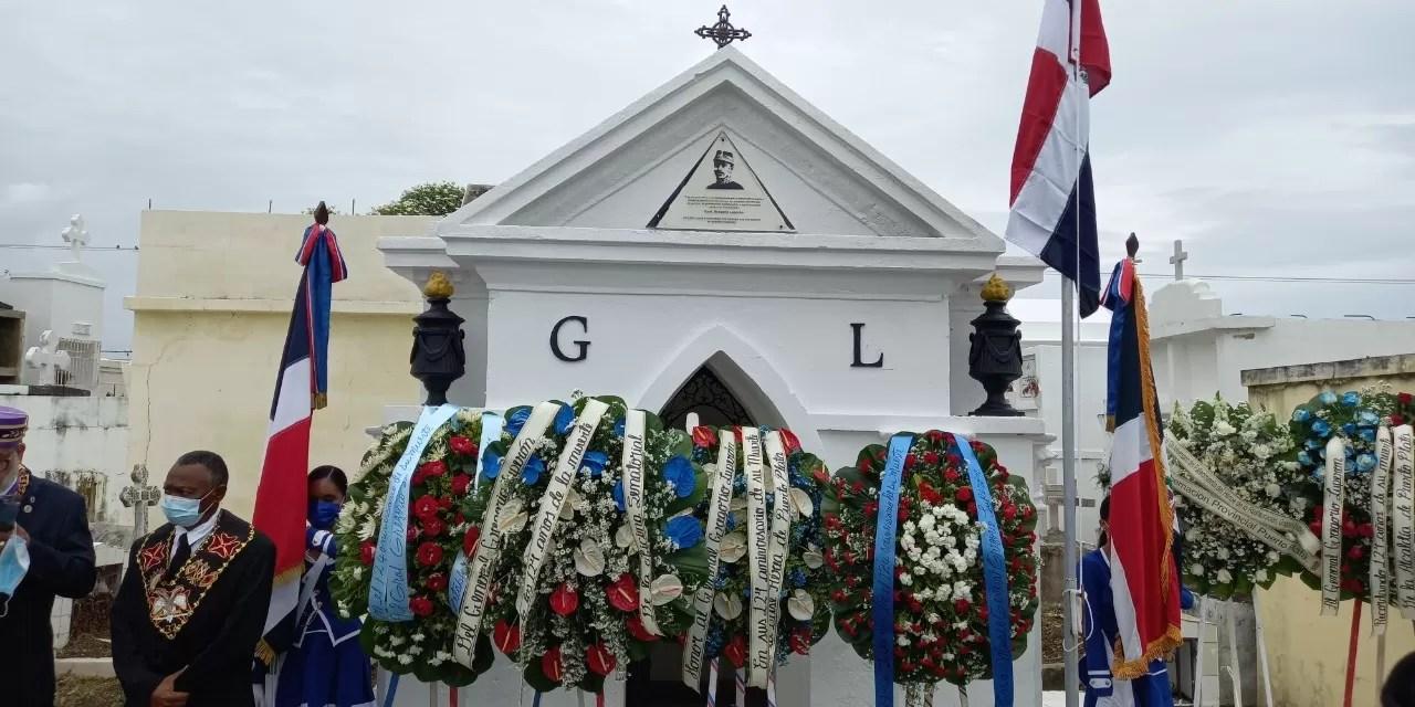 Puerto Plata: realizan ofrenda florar en honor a Gregorio Luperón