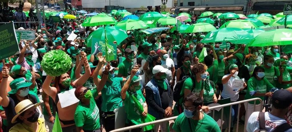 Miles marchan por un Código Penal que incluya las tres causales