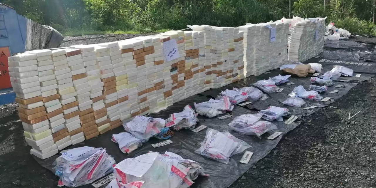 La PGR incinera más de 1,052 kilos de drogas ocupadas en la última semana