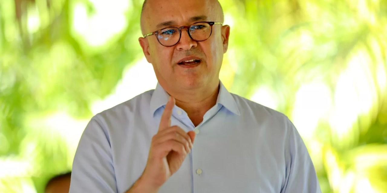 """Francisco Domínguez Brito: """"Urge retomar los planes sociales y apoyar la producción nacional"""""""