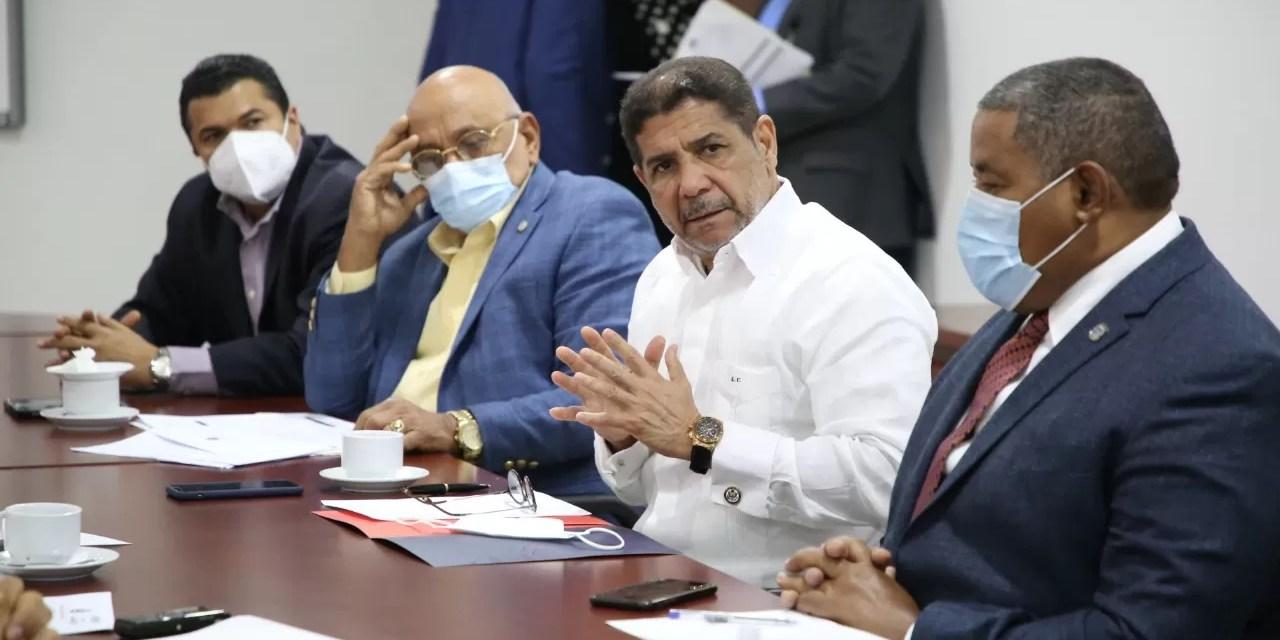 Ministro de Agricultura solicita a diputados préstamo de $50 millones de dólares