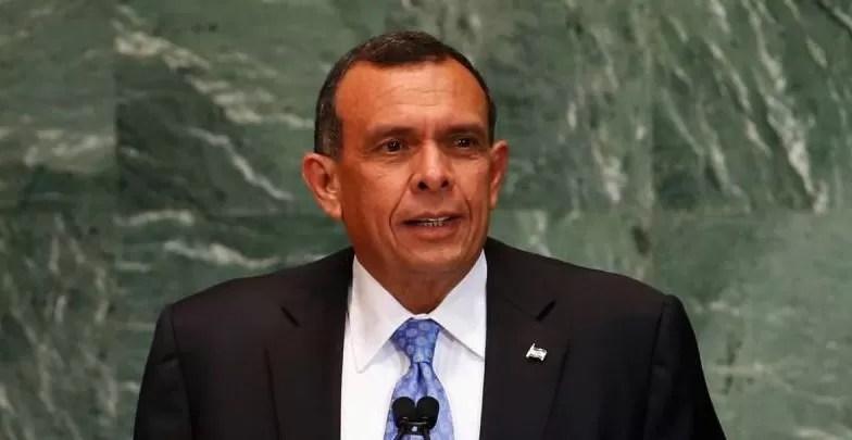 EEUU prohíbe entrada a expresidente de Honduras Lobo señalado de corrupción