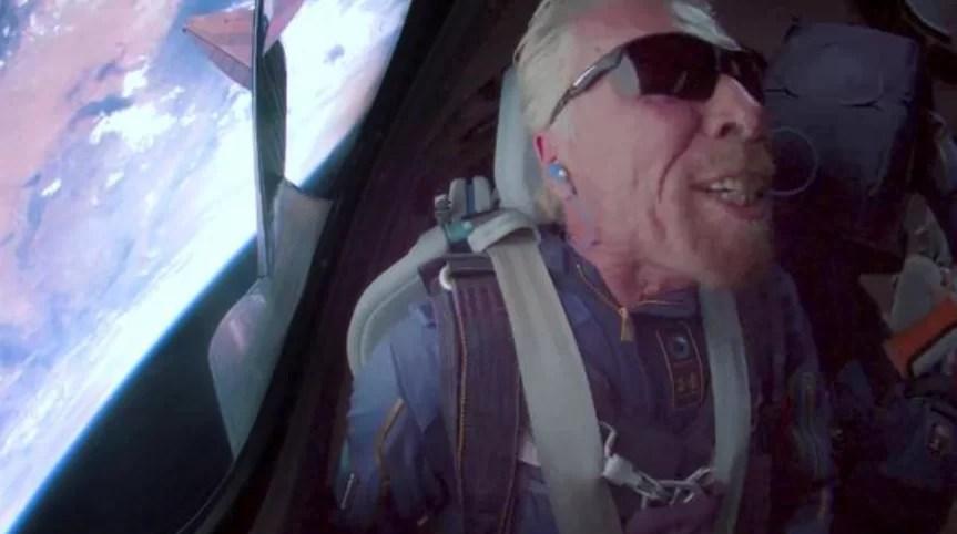 Richard Branson logra su sueño de viajar al espacio