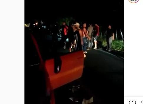 Video- Policías persiguen a varios atracadores, pero no logran capturarlos
