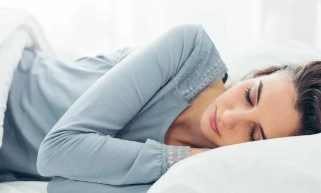 Las 7 razones por las que deberíamos dormir hacia el lado izquierdo