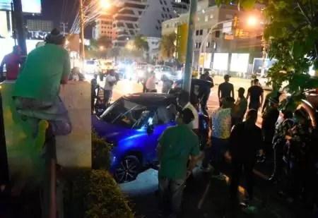 Digesett investiga accidente de un McLaren con un Suzuki Swift en la Lincoln